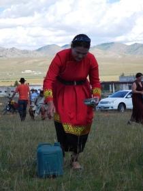 Distribution de lait de jument fermenté