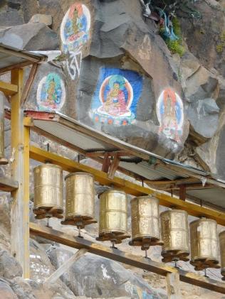 Moulins et peintures autour du kora