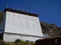 Mur de support pour l'immense thangka pendant les fêtes