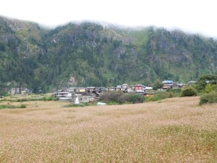 Vue sur le village de Koto