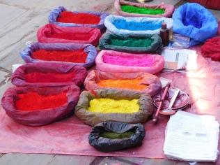 Les colorants pour confection du Tika
