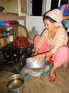 Radha préparant le repas de fête