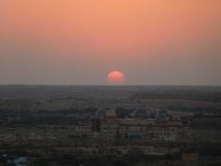 Coucher de soleil sur la cité aux portes du désert