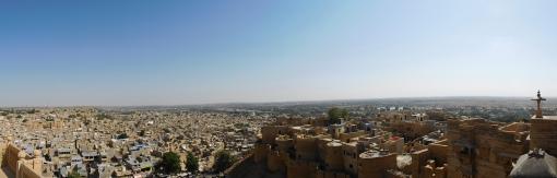 Panoramique depuis la cité fortifiée