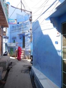 Les ruelles bleutées de la ville