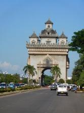 Patuxai (arc de triomphe)