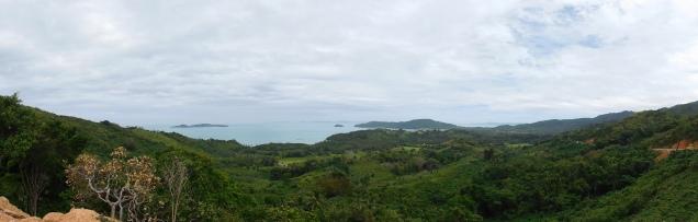 Vue sur la baie depuis les collines
