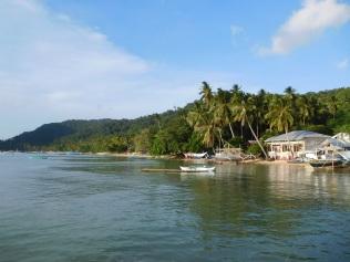 Retour à la plage de Corong Corong