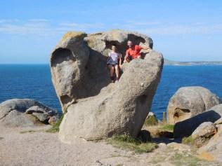 Dans les rochers de granit