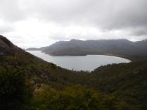 La Wineglass Bay, top 10 des plus belles baies du monde, sous les nuages