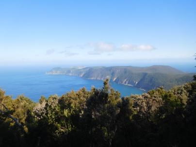 Vue vers la rando du matin (au loin l'île du phare)
