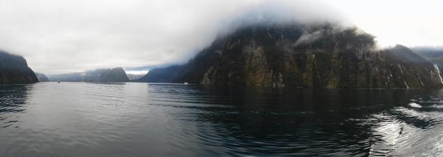 Brume matinale sur Milford Sound