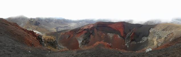 Le cratère rouge se dévoile