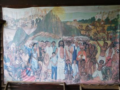Frise qui montre l'intégration de l'art indigène