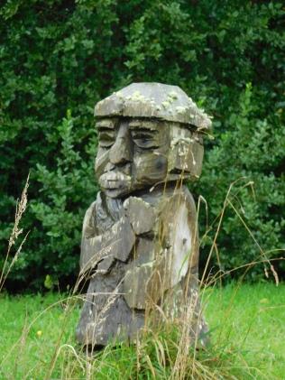 Sculpture en bois typique