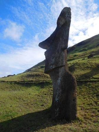 Moai terminé prêt à être transporté ou abandonné...