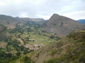 Montagne et rio Urubamba en contrebas
