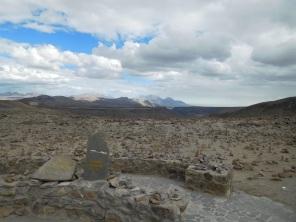 Un volcan qui culmine juste à 6050m